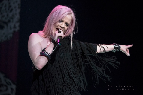 Garbage headlines 101WKQX Piqniq on June 18, 2016